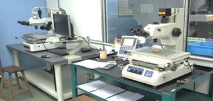 モールド製品寸法測定器