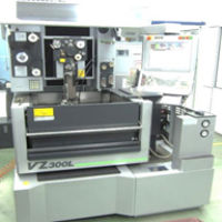 WEDM(Wire Electrical Discharge Machining ワイヤ放電加工機)